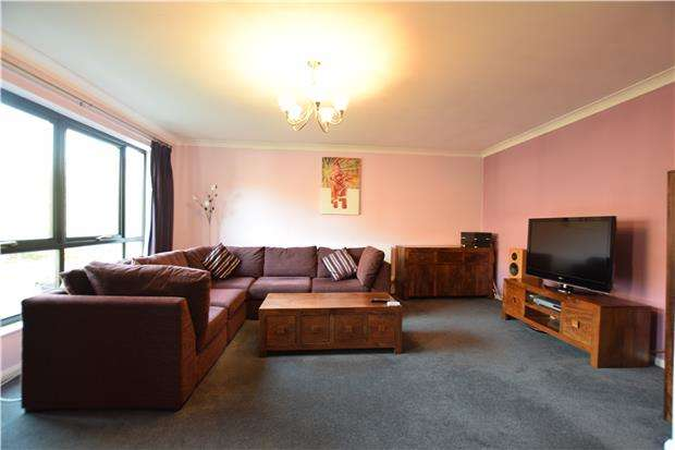 3 Bedrooms End Of Terrace House for sale in Rownham Mead, BRISTOL, BS8 4YA