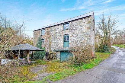 2 Bedrooms Detached House for sale in St. Columb Major, Cornwall, .