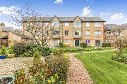1 Bedroom Flat for sale in Old Market Court, St. Neots, Cambridgeshire