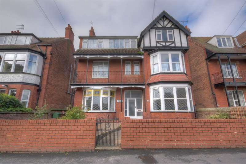 7 Bedrooms Flat for sale in Flamborough Road, Bridlington, YO15 2JH