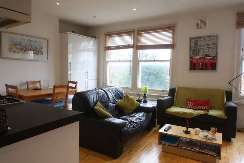 2 Bedrooms Flat for sale in Messina Avenue, West Hampstead NW6