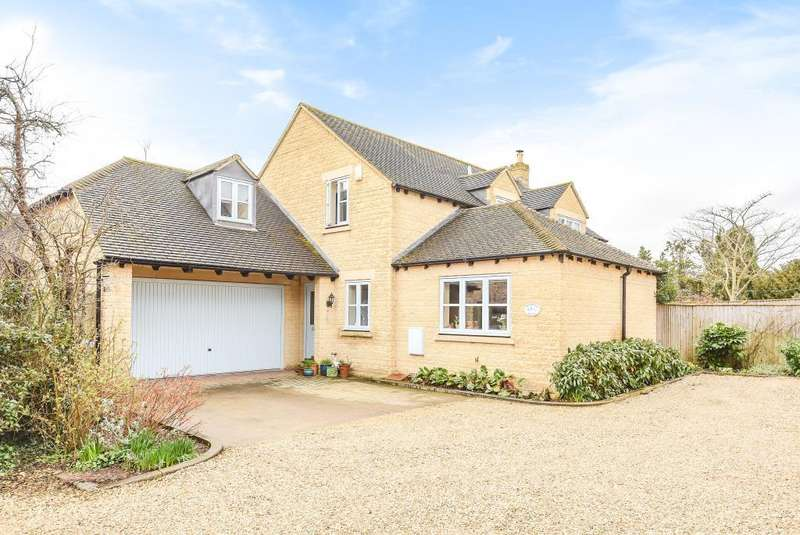 4 Bedrooms Detached House for sale in Long Hanborough, Witney, OX29