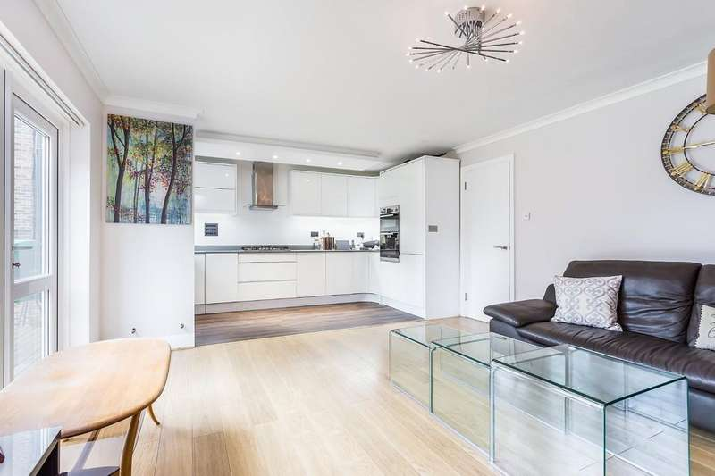 2 Bedrooms Apartment Flat for sale in Ruskin Court, Champion Hill