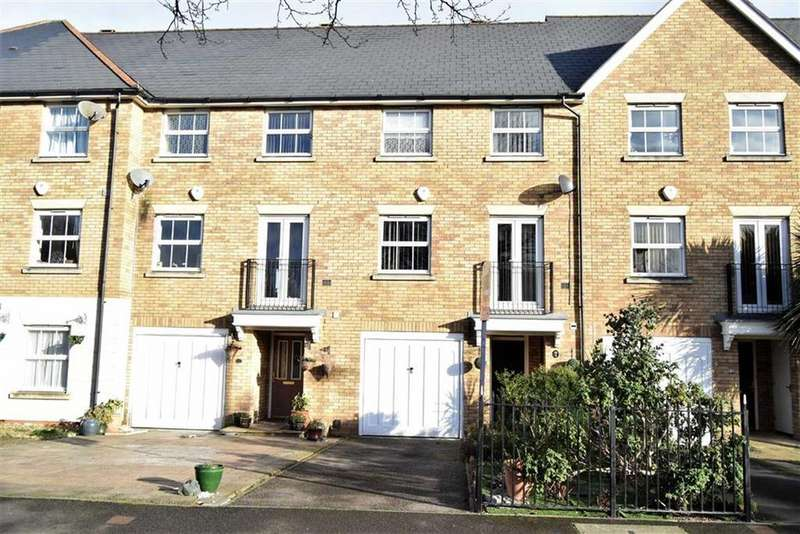 4 Bedrooms Town House for sale in Hotel Road, Rainham