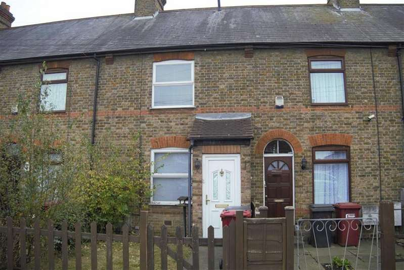 3 Bedrooms Terraced House for sale in Uxbridge Road, Slough, Berkshire