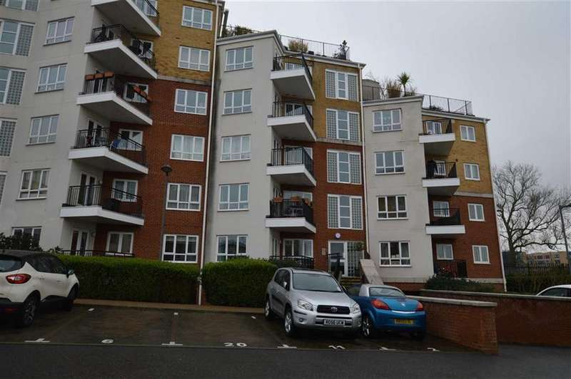 1 Bedroom Apartment Flat for sale in Rockwell Court, The Gateway, Watford, Herts, WD18