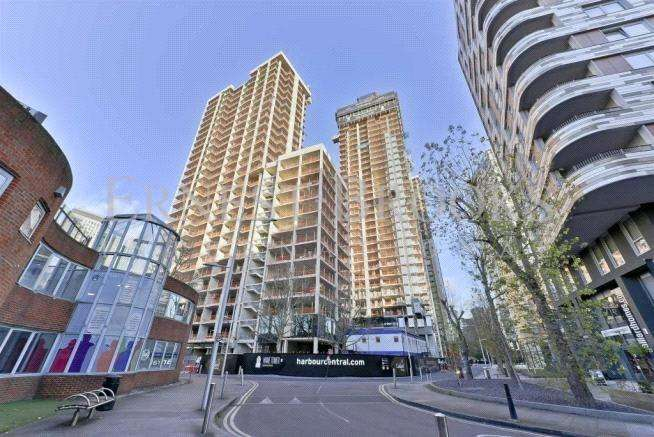 1 Bedroom Apartment Flat for sale in Maine Tower, Harbour Central, E14