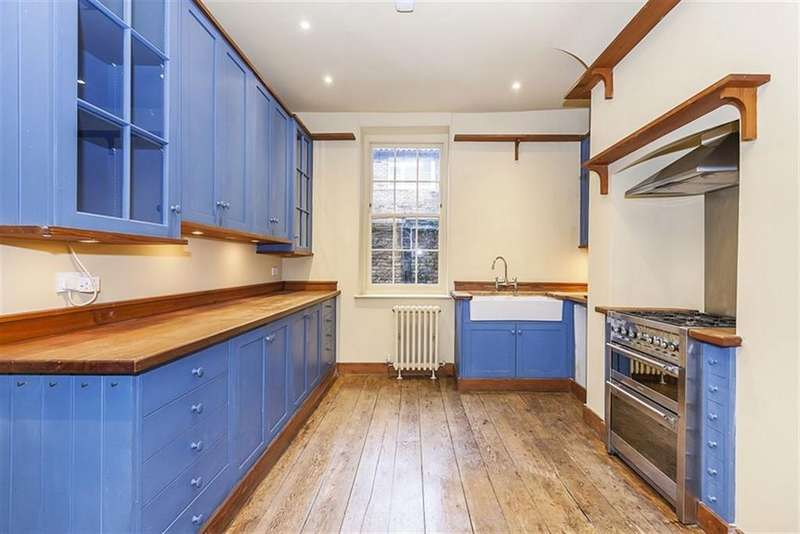 4 Bedrooms Terraced House for rent in Hanbury Street E1