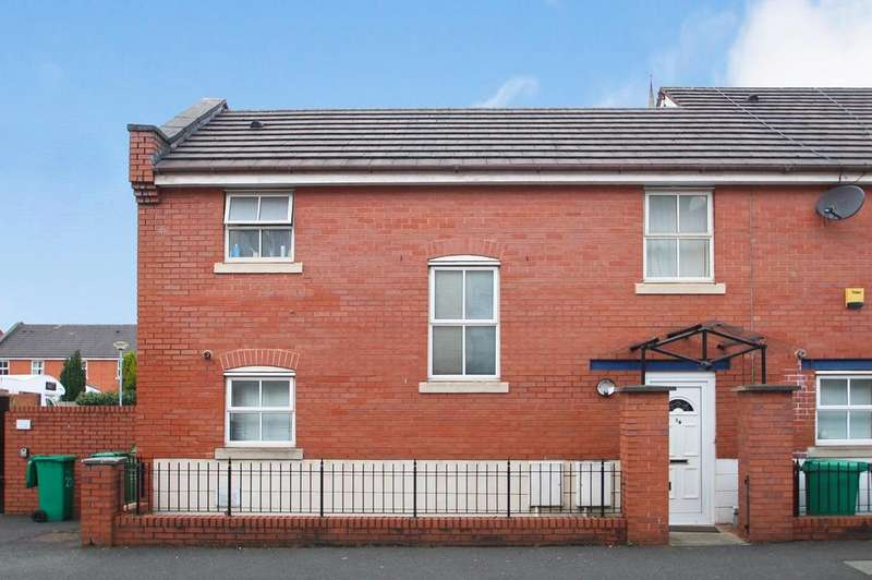3 Bedrooms End Of Terrace House for rent in Peregrine Street, Hulme, Manchester, M15