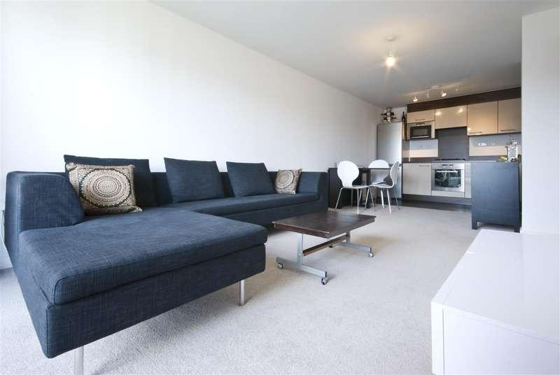 2 Bedrooms Apartment Flat for sale in Aylesbury, Aylesbury