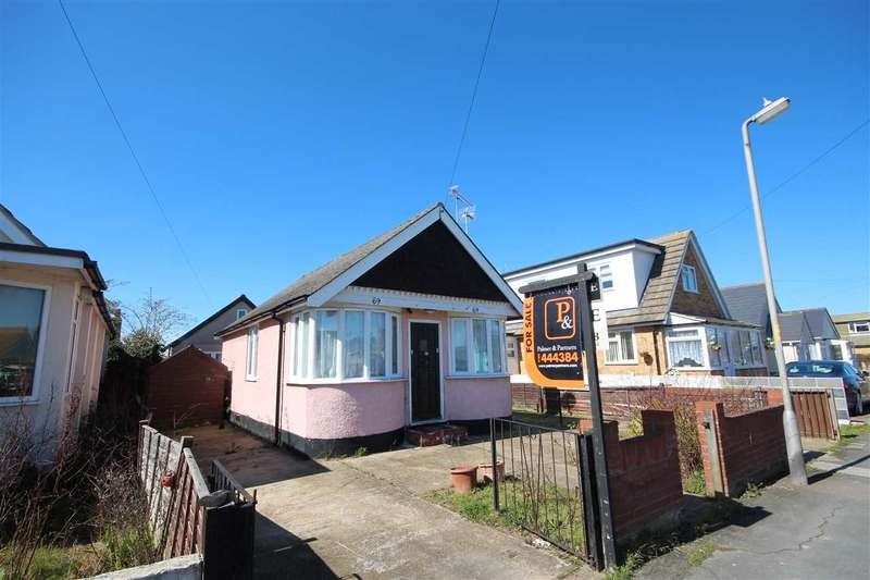 2 Bedrooms Bungalow for sale in Golf Green Road, Jaywick