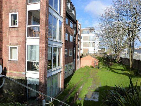 2 Bedrooms Property for sale in Melcombe Avenue, Weymouth, Dorset