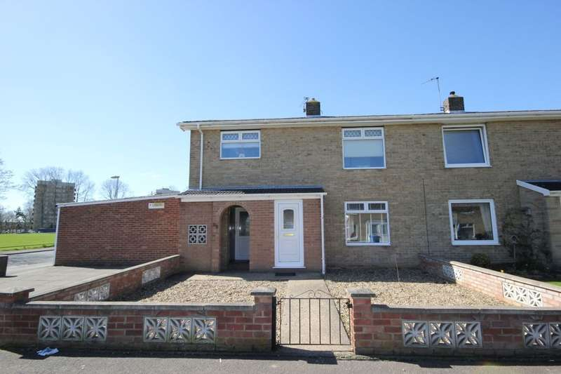 3 Bedrooms Property for sale in Sale Road, Heartsease , Norwich, NR7