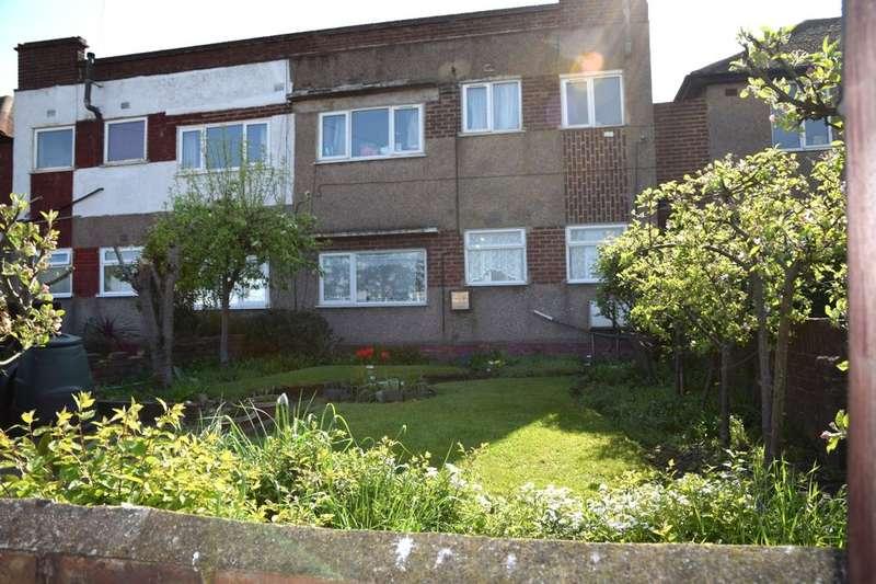 2 Bedrooms Flat for sale in Burnham Road, Dartford, DA1
