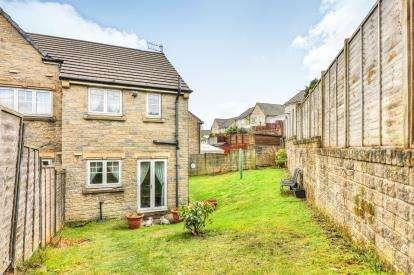 2 Bedrooms Semi Detached House for sale in Lisbon Drive, Burnley, Lancashire, BB11