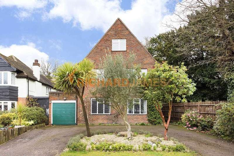 4 Bedrooms Detached House for sale in Tudor Close, Mill Hill