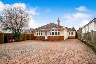 4 Bedrooms Bungalow for sale in Trapfield Lane, Bearsted, Maidstone, Kent