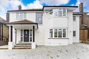 4 Bedrooms Detached House for sale in Sanderstead Hill, Sanderstead, South Croydon, Surrey