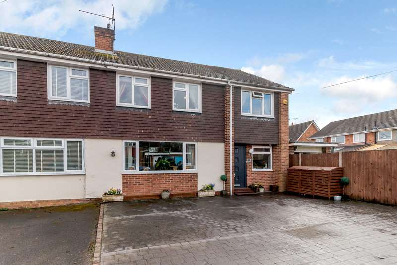 4 Bedrooms Semi Detached House for sale in West Byfleet