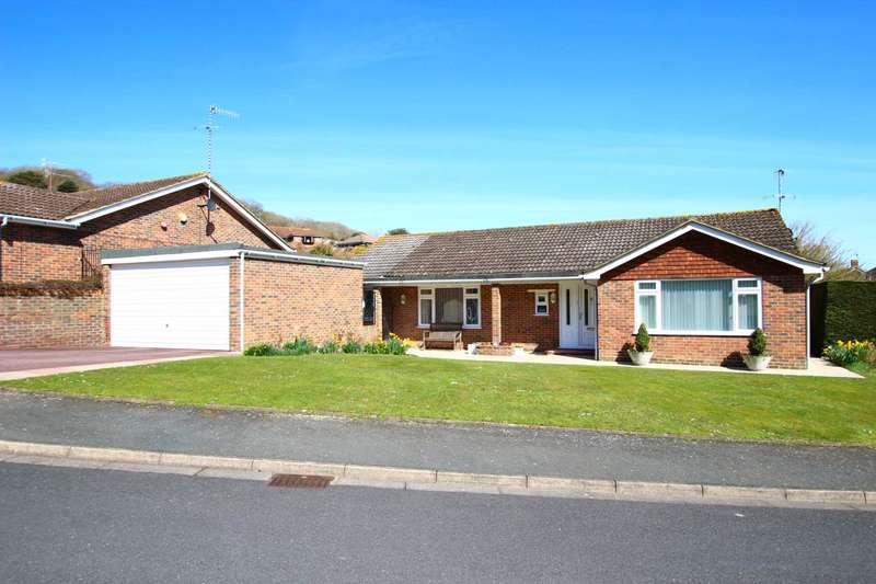 3 Bedrooms Detached Bungalow for sale in Wells Close, Eastbourne, BN20 7TX