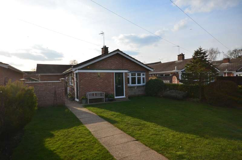 3 Bedrooms Bungalow for sale in Greenwood Way, Norwich