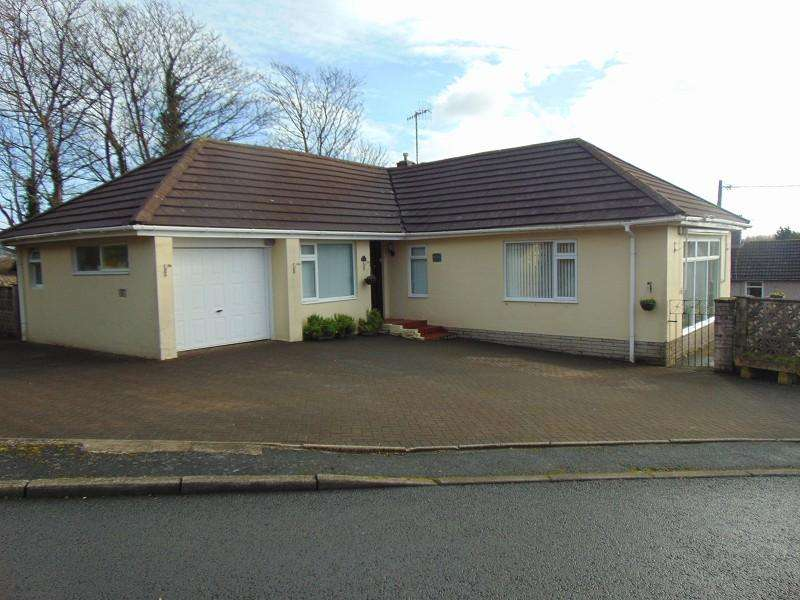 3 Bedrooms Bungalow for sale in Tyle Teg , Burry Port, Carmarthenshire. SA16 0SS