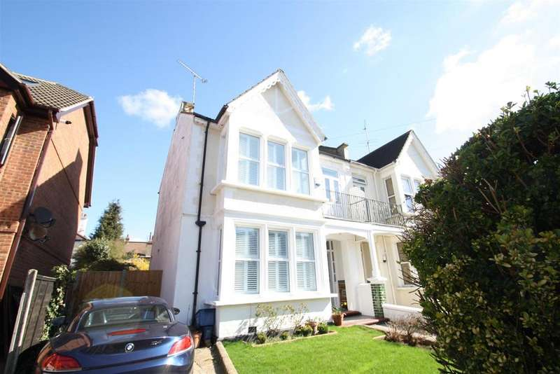 5 Bedrooms Semi Detached House for sale in Whitefriars Crescent, Westcliff-On-Sea