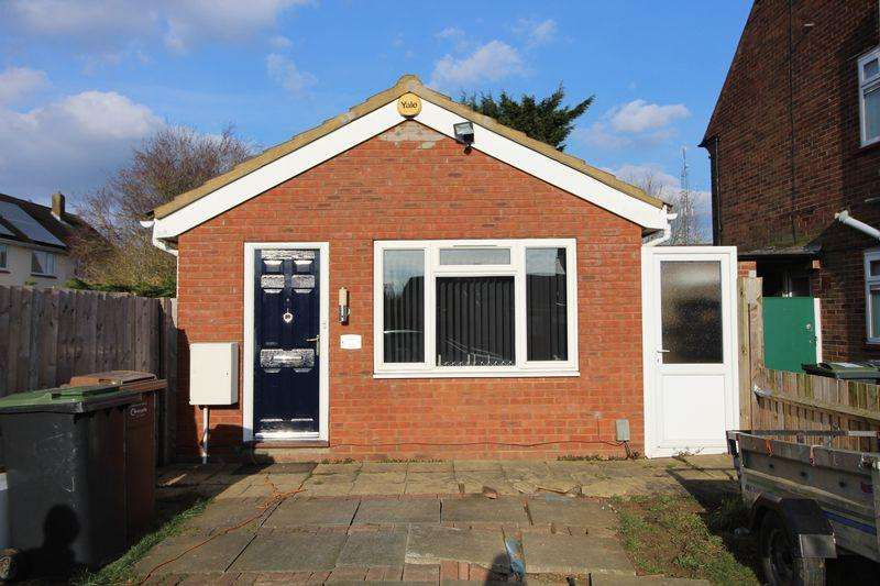 1 Bedroom Bungalow for sale in FREEHOLD DETACHED Bungalow in Farley Hill
