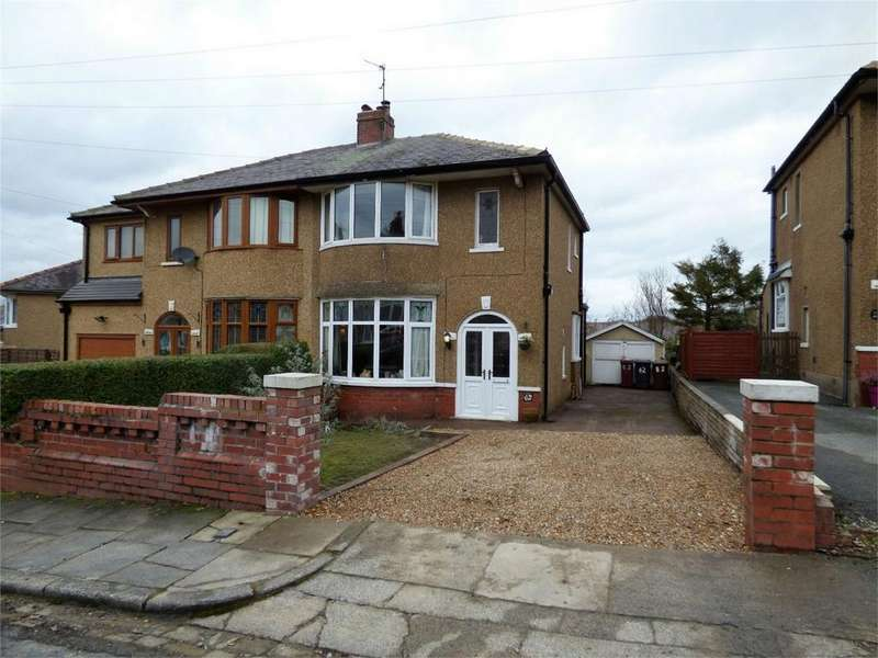2 Bedrooms Semi Detached House for sale in York Crescent, BLACKBURN, Lancashire