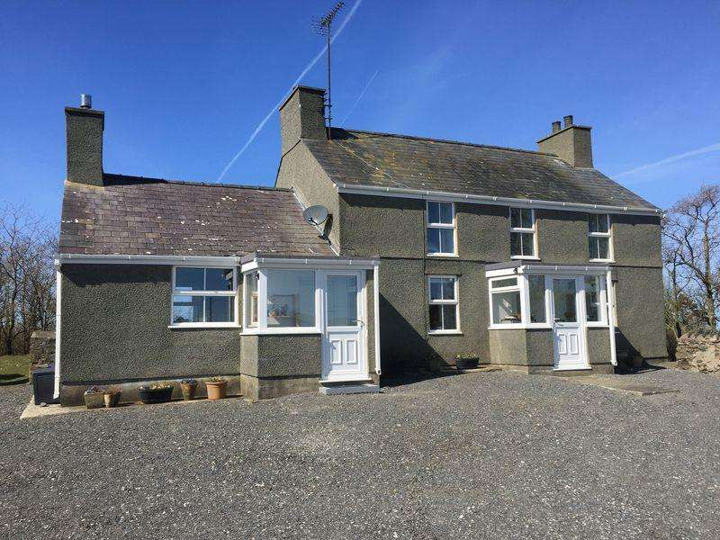 5 Bedrooms Detached House for sale in Llanrhyddlad, Anglesey