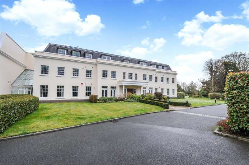 2 Bedrooms Apartment Flat for sale in Norfolk Wing, Tortington Manor, Ford Road, Arundel, BN18