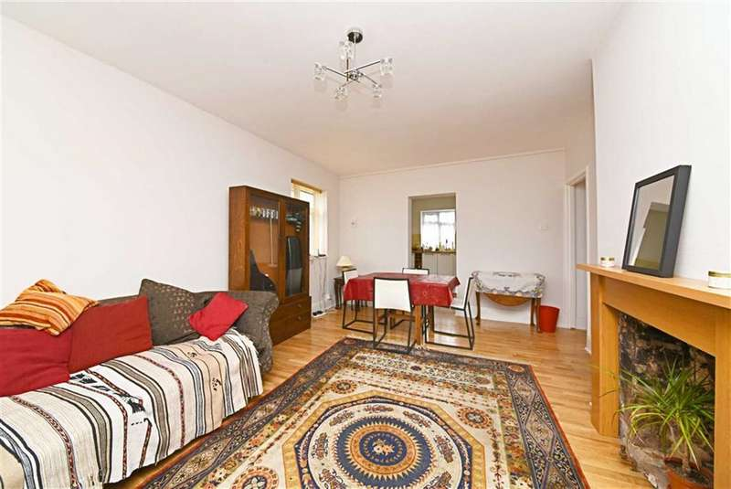 2 Bedrooms Flat for sale in Basing Way, Finchley, London, N3
