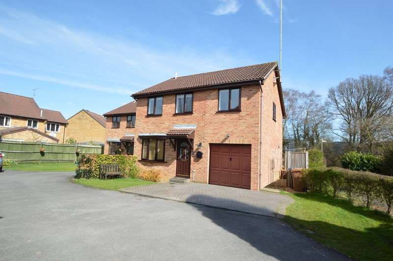 4 Bedrooms Detached House for sale in Teviot Road, Chandler's Ford