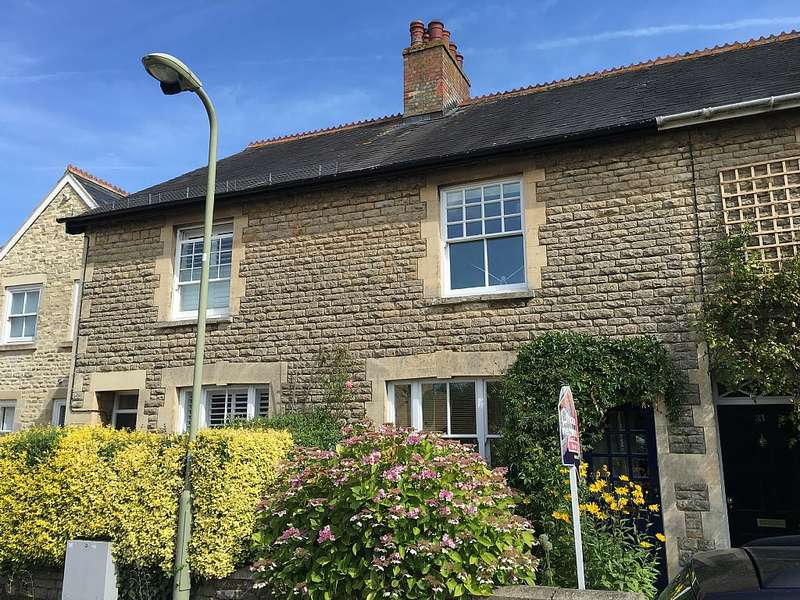 2 Bedrooms Terraced House for sale in 31, The Springs, Witney, Oxfordshire, OX28 4AJ