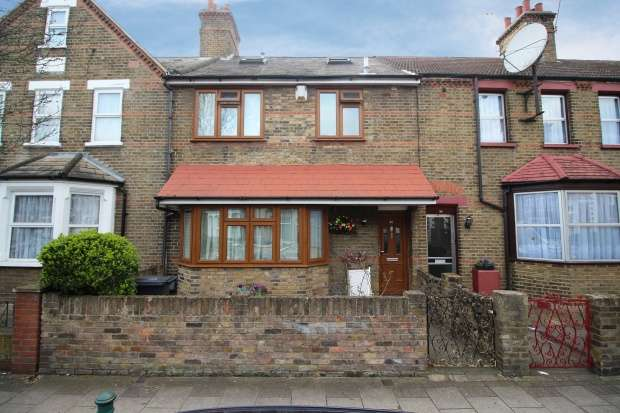 4 Bedrooms Terraced House for sale in York Road, Waltham Cross, Hertfordshire, EN8 7HW