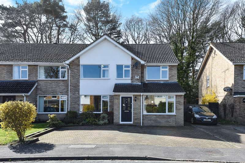 4 Bedrooms Semi Detached House for sale in Foxcote, FINCHAMPSTEAD, RG40