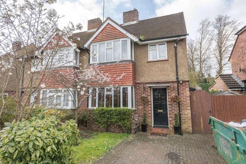 4 Bedrooms Semi Detached House for sale in Locke King Road, Weybridge KT13