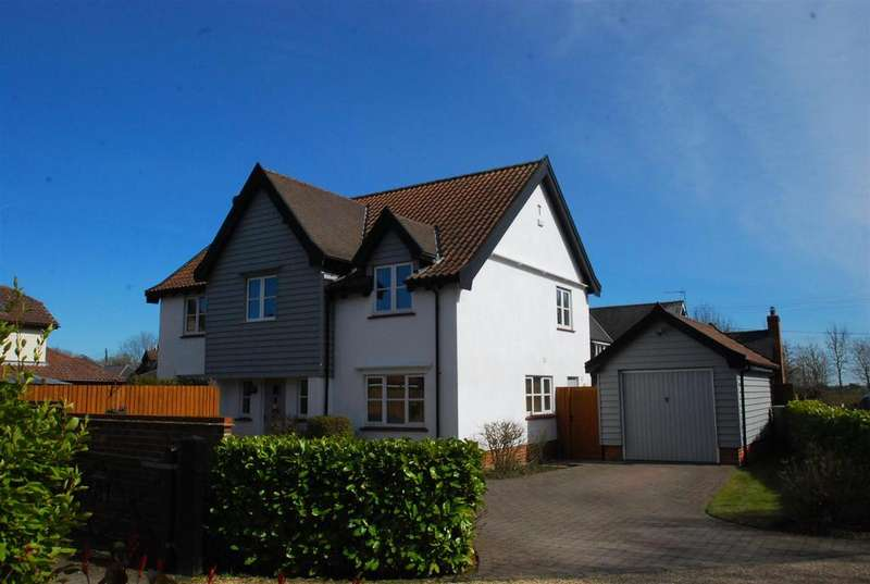4 Bedrooms Detached House for sale in Combs