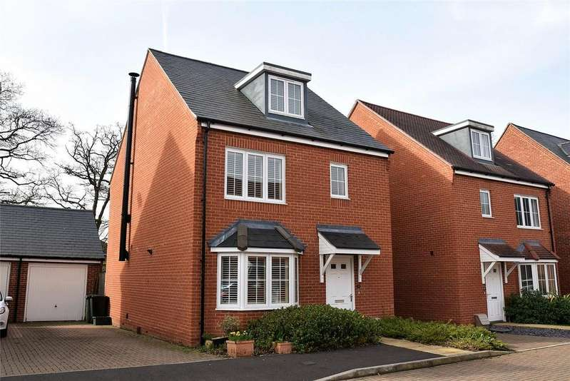 4 Bedrooms Detached House for sale in Royal Gardens, Tadley, Hampshire, RG26