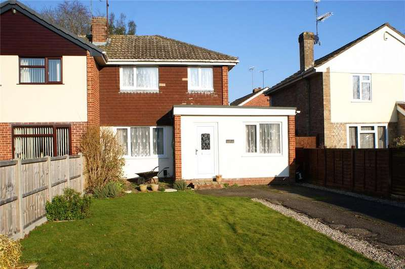 2 Bedrooms Semi Detached House for sale in Burgess Close, Woodley, Reading, Berkshire, RG5