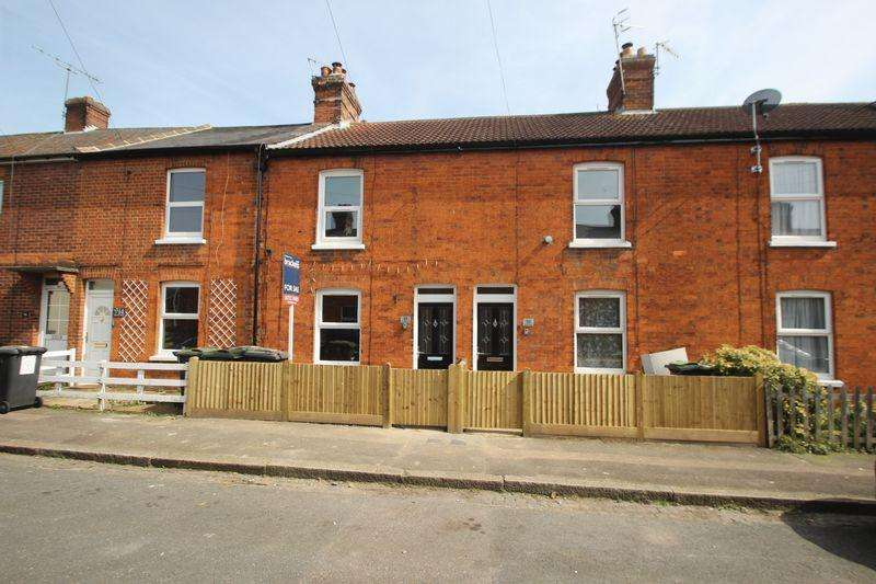 2 Bedrooms Terraced House for sale in Dernier Road, Tonbridge