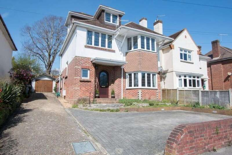 4 Bedrooms Detached House for sale in Verulam Road, Lower Parkstone