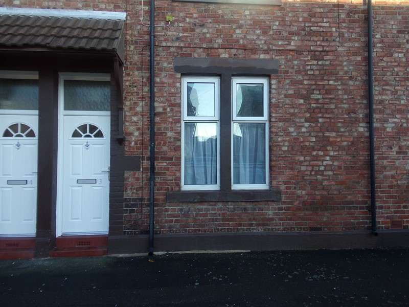 2 Bedrooms Property for sale in St. James Terrace, North Shields, Tyne and Wear, NE29 6HZ