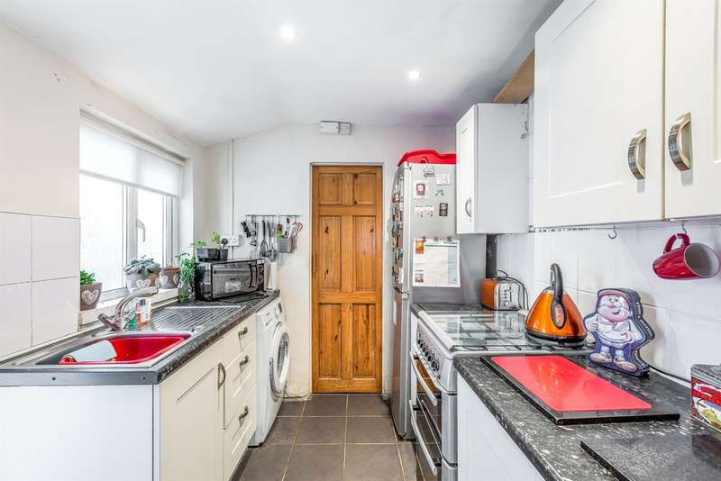 2 Bedrooms End Of Terrace House for sale in Commercial Street, Glyncorrwg, Port Talbot