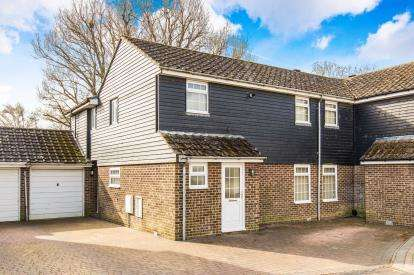4 Bedrooms Semi Detached House for sale in Rownhams, Hampshire