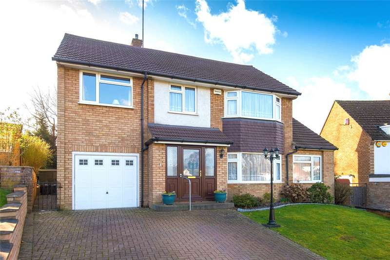 5 Bedrooms Detached House for sale in Brookside Crescent, Cuffley, Potters Bar, Hertfordshire