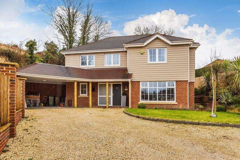 4 Bedrooms Detached House for sale in Onslow Village, Guildford