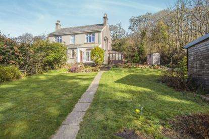 3 Bedrooms Semi Detached House for sale in Liskeard, Cornwall