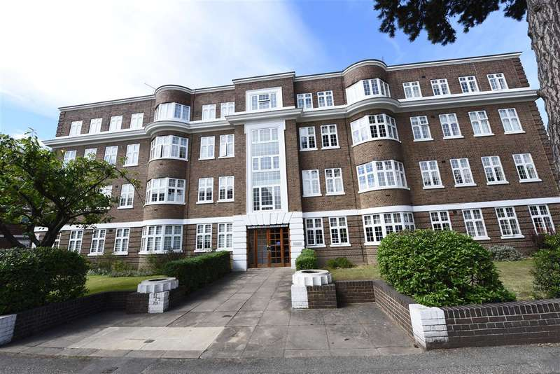 3 Bedrooms Apartment Flat for sale in Wimbledon Close, The Downs, Wimbledon