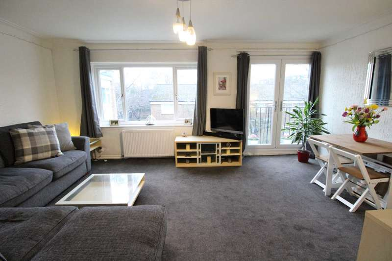 3 Bedrooms Flat for sale in Park Lane Court, Manchester